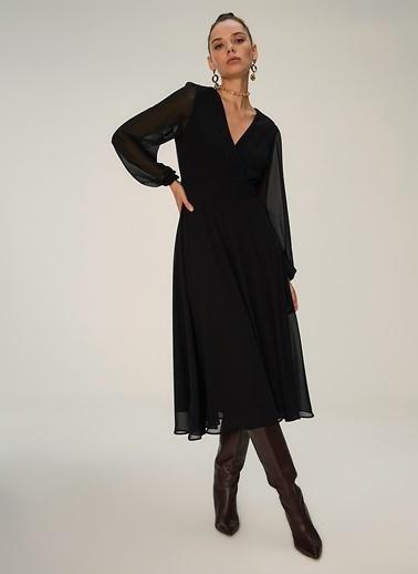 NGSTYLE Kruvaze Yakalı Midi Elbise Siyah
